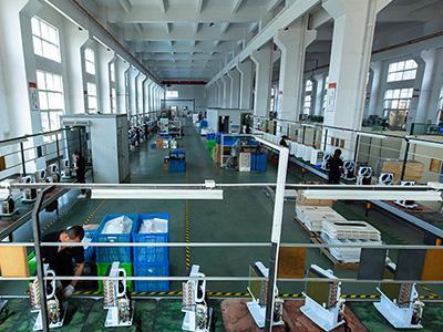川岛电器生产车间环境